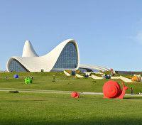 Баку: между Парижем и Дубаем