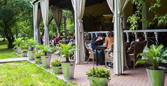 10 новых веранд кафе и ресторанов